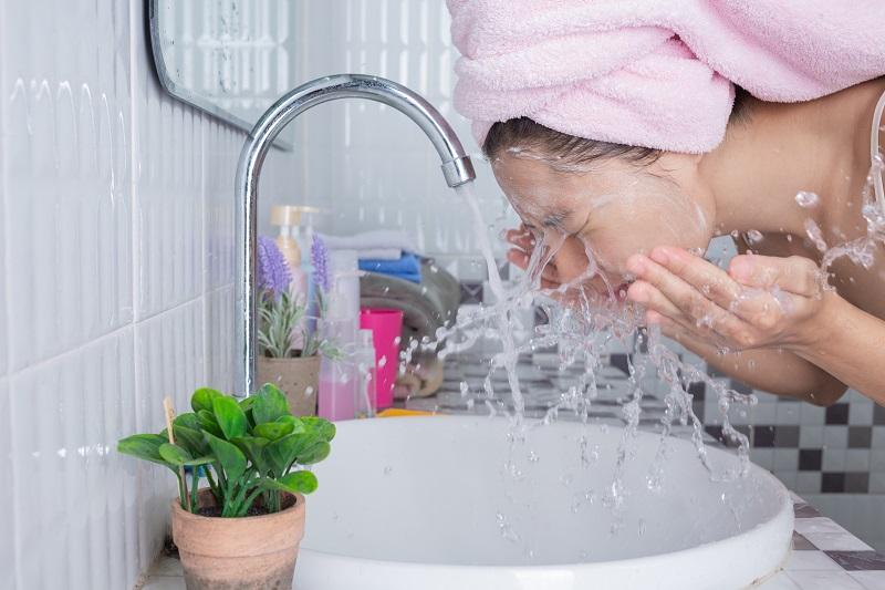 Hình ảnh Top 10 cách chăm sóc da mặt trắng mịn màng tại nhà cực đơn giản